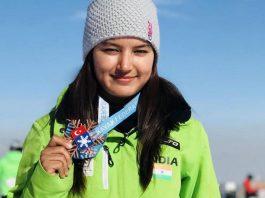 anchal thakur skiing