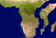 africa splitting into two