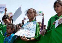 kids' demonstration in new delhi